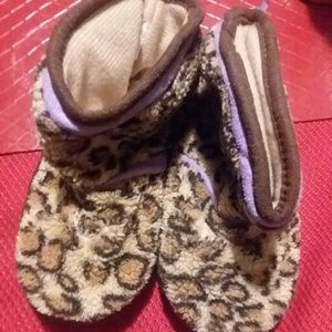 Kids Slippers size 5-6 Small